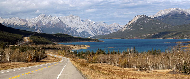 Scenic columbia icefields parkway driving sighseeing guide saskatchewan river crossing 79 km from lake louise sciox Images